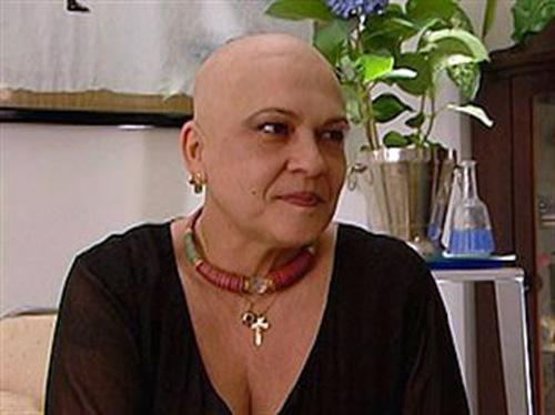 Com câncer de mama, Regina Dourado está internada em estado terminal
