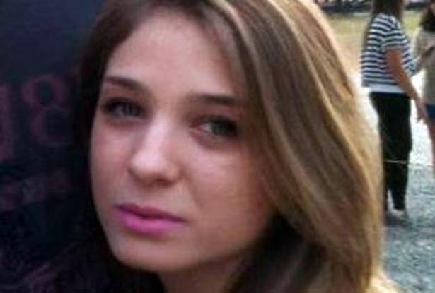 A estudante de administração de empresas Vanessa Ferreira Carobene, 21, morreu baleada em frente à casa dela, na noite de sábado (29), no Alto da Lapa (zona oeste de SP).