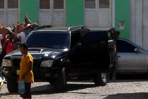 Ituberá: Polícia encontra carros utilizados por bandidos nos assaltos aos bancos