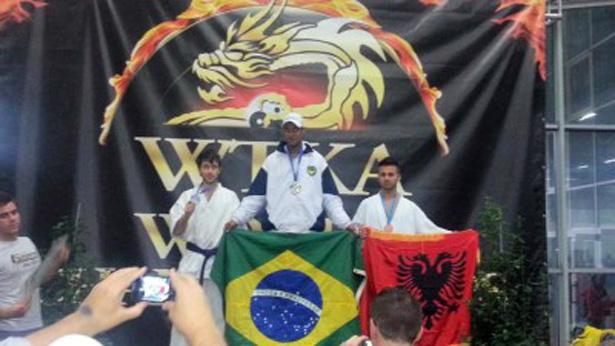 Ubatã: Alexandre é Bi-Campeão Mundial de Karatê
