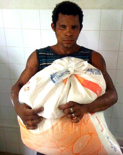 Ubatã: PM prende homem por roubar saco de farinha