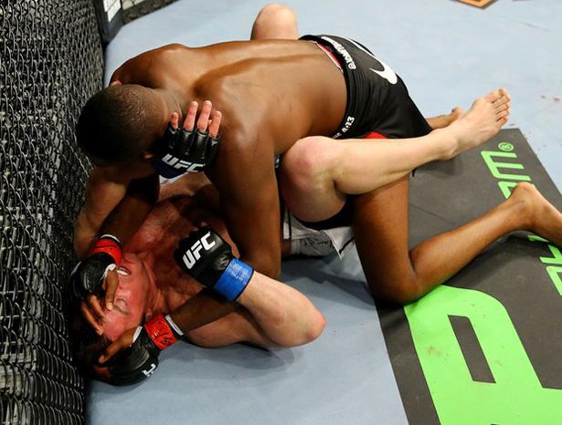 Lutador se diz frustrado após revés diante de Jon Jones e diz que ele é o melhor adversário que já enfrentou