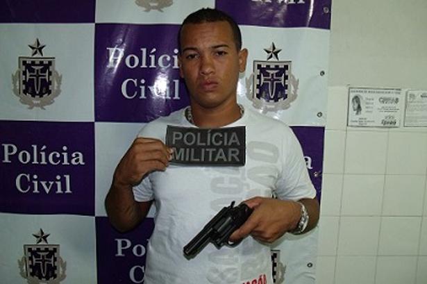 Ipiaú: Polícia prende homem armado com revólver 38