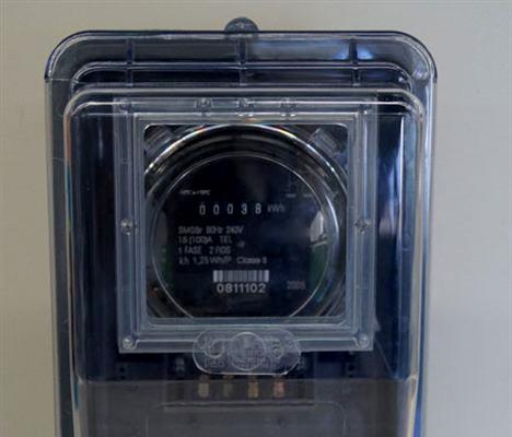 Ubaitaba: Coelba exigirá nova caixa de medição de luz a partir de 1º de junho.
