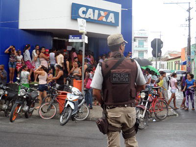 Boato sobre fim do Bolsa Família gera tumulto em lotéricas de toda Bahia