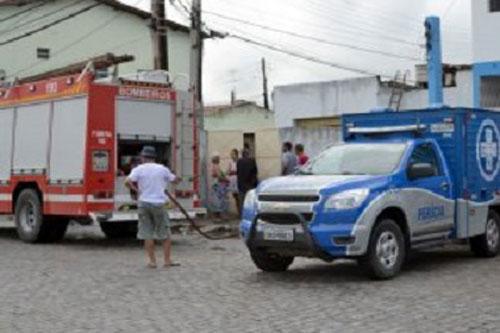 Feira de Santana: Quarto pega fogo e homem morre carbonizado