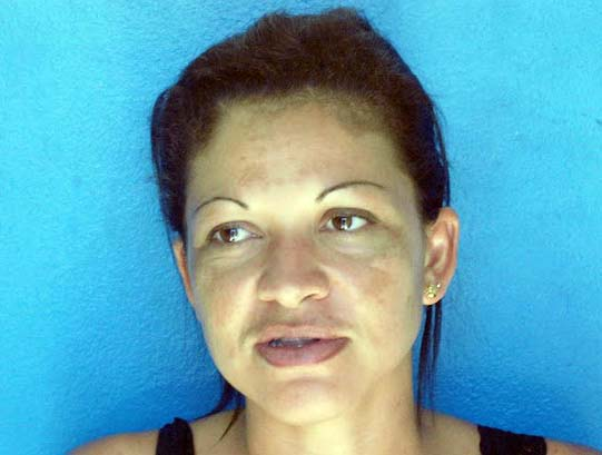 Doméstica é presa após ser flagrada no facebook usando roupas da patroa
