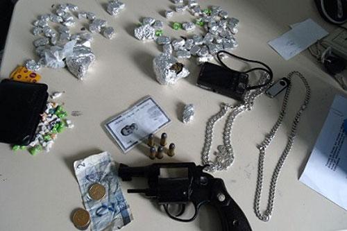 Polícia Civil realiza operação contra o tráfico de drogas em Itagibá