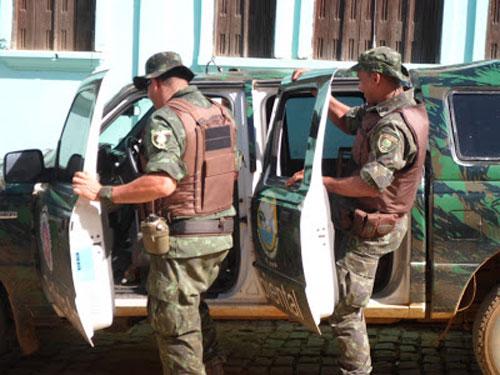 Itacaré: Polícia Ambiental apreende pássaros criados em cativeiro em Taboquinhas.