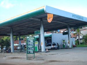Aurelino Leal: Caminhoneiro é assaltado ao parar em posto de gasolina