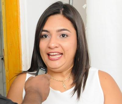 Ubatã: Justiça Eleitoral julga ação improcedente e extingue processo contra Siméia Queiroz