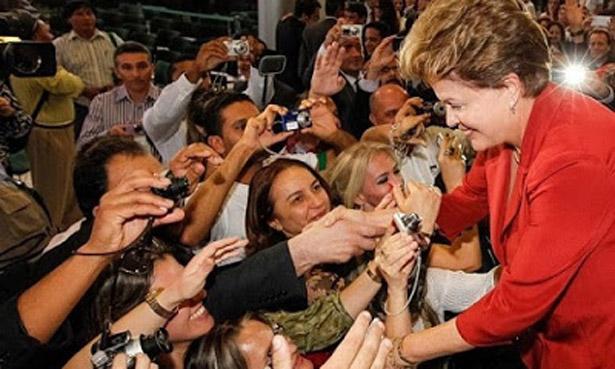 Popularidade de Dilma sobe de 30% para 36%, aponta Datafolha