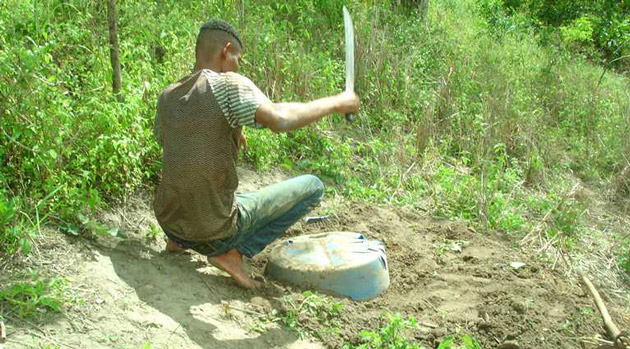 Itororó: Homem assassinado é encontrado enterrado dentro de tonel