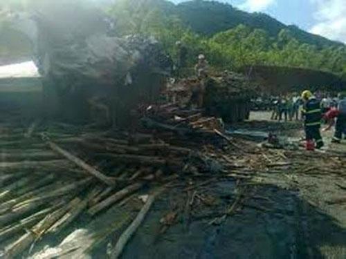 Incêndio destrói mais de 3 mil toneladas de madeira em Caravelas