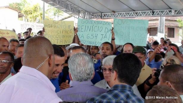 Maraú: Moradores de Taboquinhas cobram do Governador o retorno das obras de pavimentação da BA-654