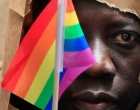 Parlamento de Uganda aprova prisão perpétua de homossexuais