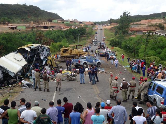 Laudo confirma que trator não estava amarrado no acidente que matou 14 pessoas