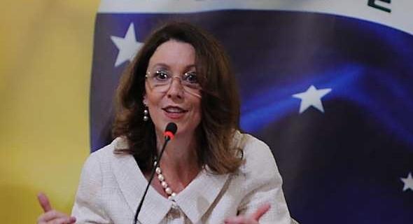 Ministra da Comunicação, Helena Chagas, entrega o cargo