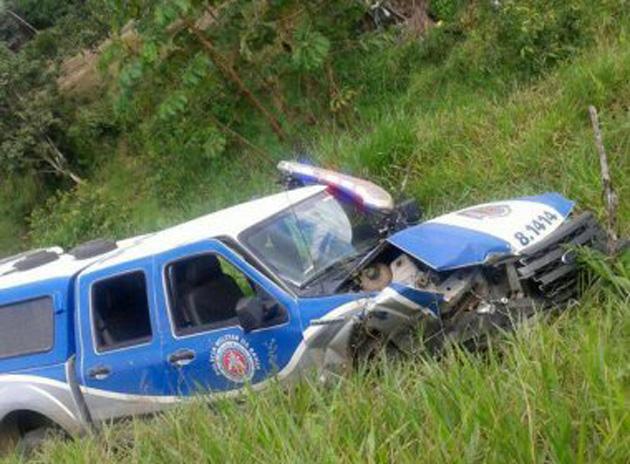 Perseguição policial termina em acidente que deixa um morto na BR-101