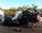 Família que seguiam para velório morre em acidente com carreta na BR-242