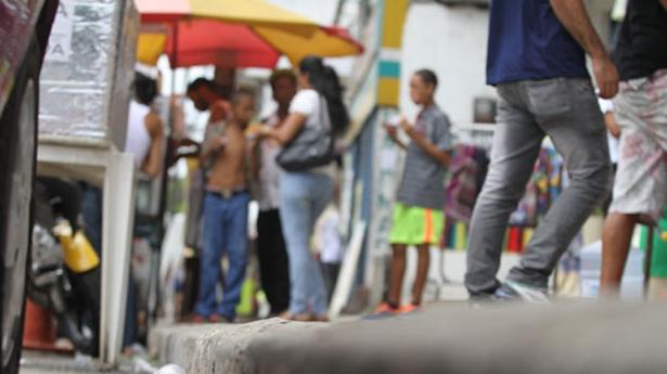 Quem jogar lixo no chão poderá pagar mais de R$ 1 mil em multa (Foto: Marina Silva/Arquivo Correio)