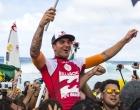 Maresias vive clima de 'Copa do Mundo' após título mundial de Medina