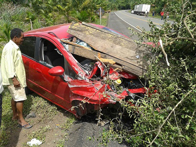 Carroça se desprende de trator e causa grave acidente na BR-330