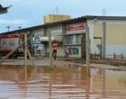 Acesso a emergência do Hospital Geral de Conquista é interditada após forte chuva