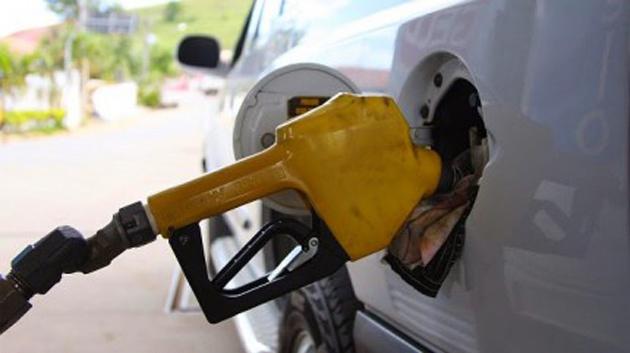 Aumento da gasolina começa a valer já nesta segunda-feira (23) na Bahia