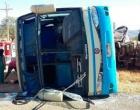 Colisão entre ônibus e carreta deixa sete feridos na BR-242