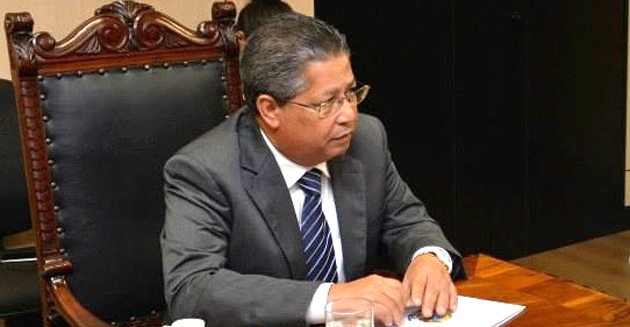 Prefeito de Cruz das Almas renuncia o cargo