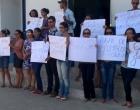 Familiares de adolescente estuprada após encontro marcado no facebook pedem justiça