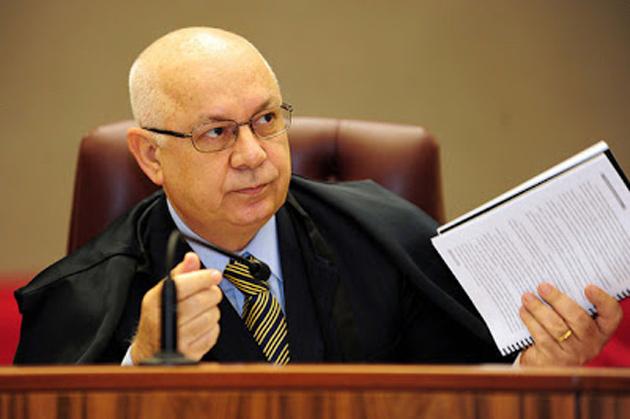 Ministro determina que Moro envie investigações sobre Lula para o STF