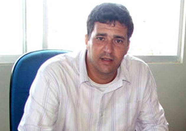 Ubaitaba: Ex-prefeito Alexandre Almeida confirma retorno ao PMDB