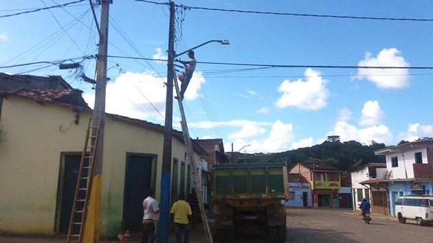 Manutenção da iluminação pública de Taboquinhas e zona rural