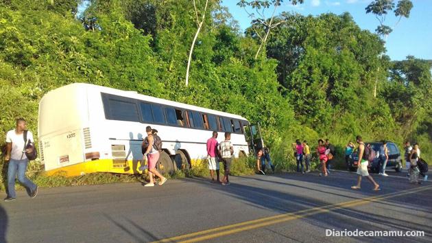 Na tarde de ontem, sexta-feira (08), por volta das 17hs, os estudantes de Camamu, que estudam na Unime e FTC em Itabuna, passaram por uma grande susto, por pouco não houve uma tragédia.