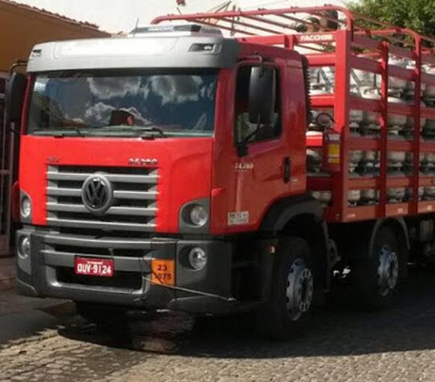 Jequié: Bandidos sequestram caminhoneiro e roubam veículo carregado de botijões