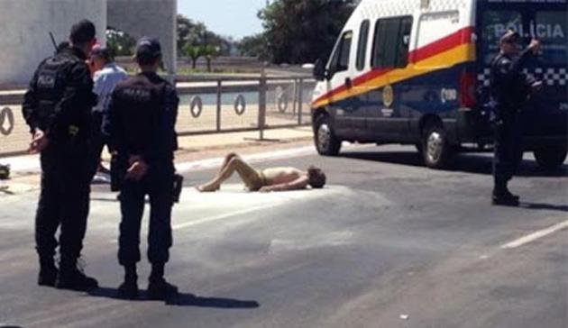 Brasil: Homem ateia fogo ao próprio corpo em frente ao Palácio do Planalto