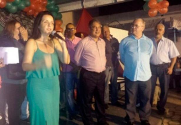 Aurelino Leal: Liu Andrade inaugura Centro Cirúrgico do Hospital Geral e entrega 50 barracas