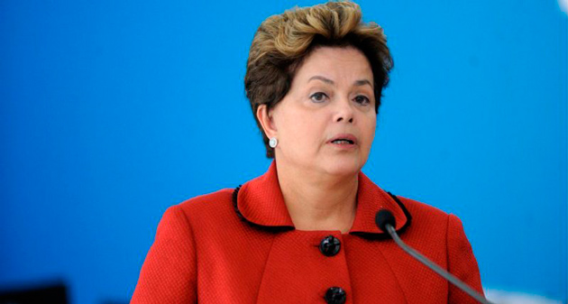 Antes de afastamento Dilma regula Marco Civil e acaba com WhatsApp e Facebook grátis no celular