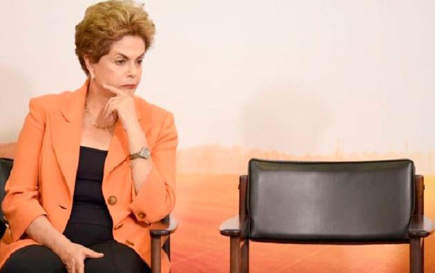 Dilma esvazia gavetas no Planalto; presidente fará pronunciamento nesta quinta