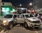 Dupla rouba carro de delegado e na fuga bate em veículo de coronel da PM