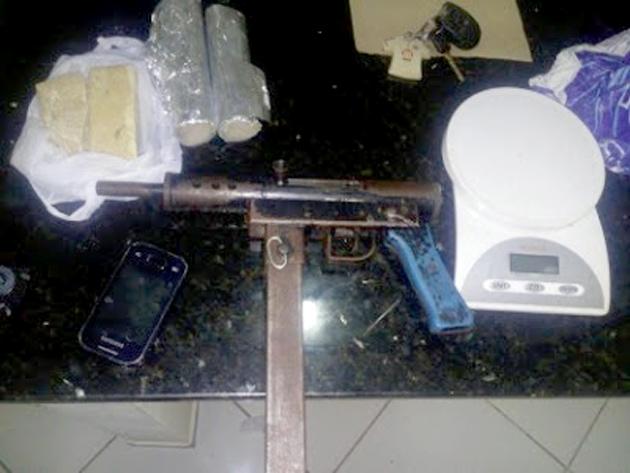 Ubatã: Homem morre em troca de tiros com a Polícia; Submetralhadora é apreendida