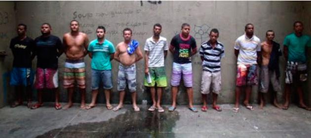Operação policial prende 11 homens e apreende arsenal em Pau Brasil