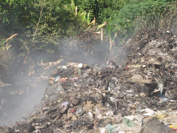 Local onde é despejado os resíduos sólidos do município não tem tratamento adequado. Foto: Thácia Janaína