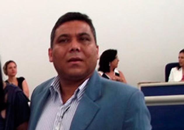 Em ação contra o atual prefeito de Gongogi (BA), Altamirando Santos, e a ex-tesoureira, Ilka Nascimento, referente a desvio de verba pública e ajuizada pelo Ministério Público Federal (MPF) em Jequié, o Banco do Brasil aparece como réu no processo, de forma inédita.