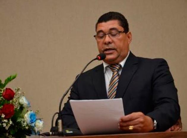 Candeias: Prefeito e secretária de Saúde são afastados dos cargos por 180 dias