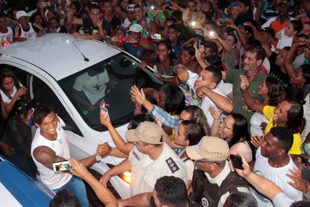 Chegada de Isaquias em Ubaitaba após a Olimpíada do Rio. Fotos: Aleilton Oliveira