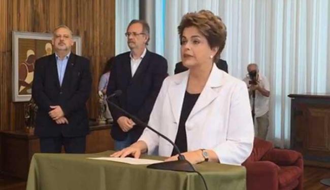 Dilma apoia plebiscito para antecipar as eleições presidenciais de 2018