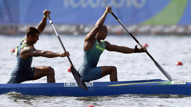 RIO 2016: A dupla Erlon e Isaquias voa direto para final do C2 1000